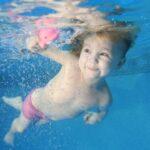 Ezért érdemes már gyerekkorban megszerettetni az úszást