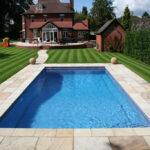 A családi nyaralóban és a hátsó kertben is jól mutat a medence